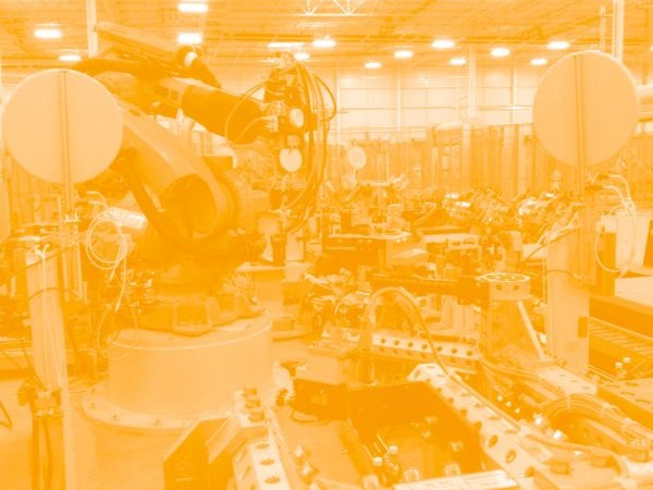 high-tech roboter in automobilindustrie