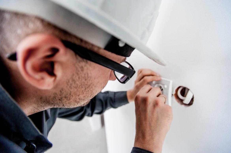 Subunternehmer Elektriker - Anlagenbau - Schaltschrankbauer