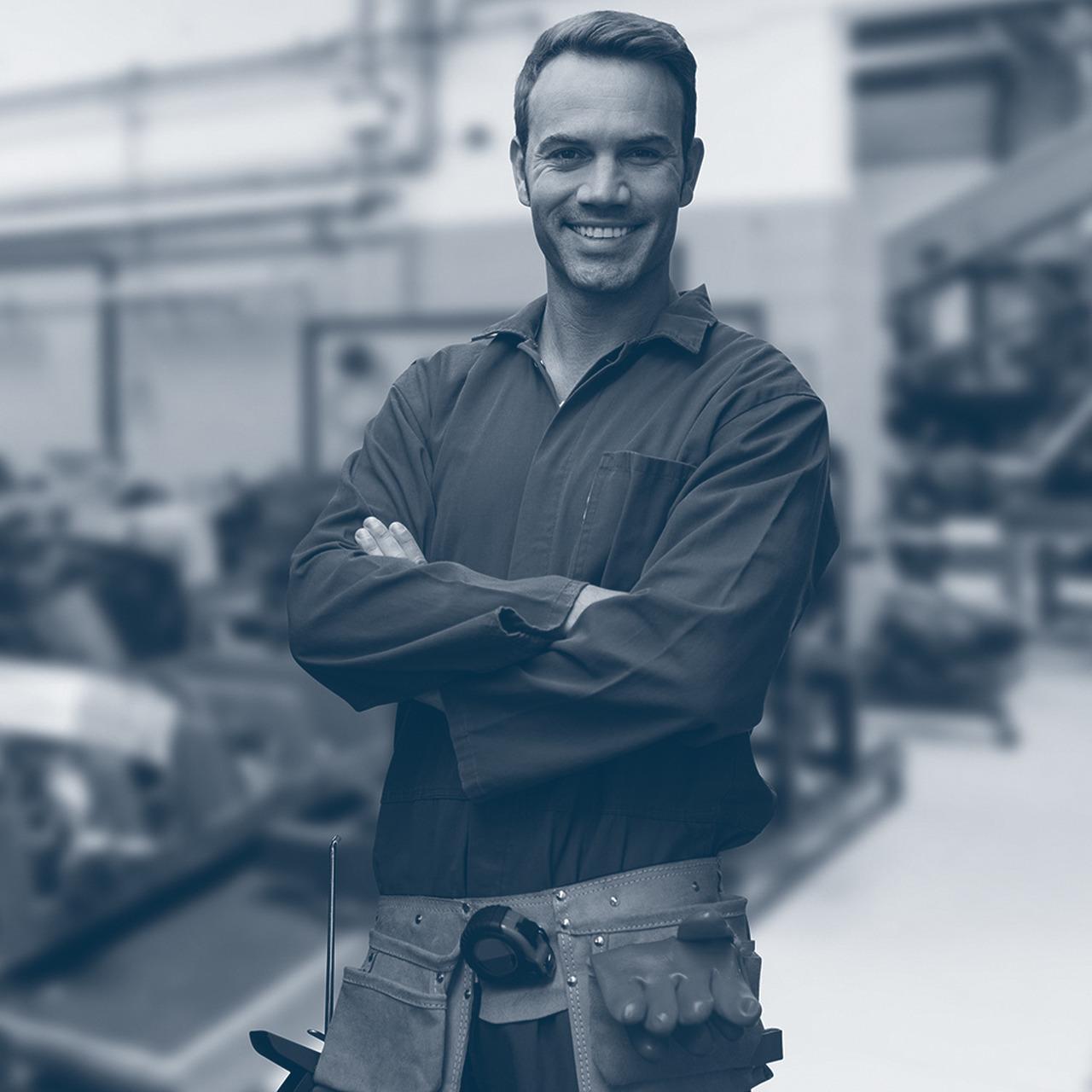 4 industrial electricians