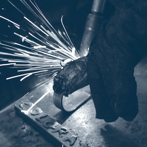 8 MAG welders with foreman