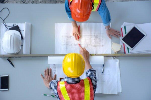 Subunternehmen auf der Baustelle