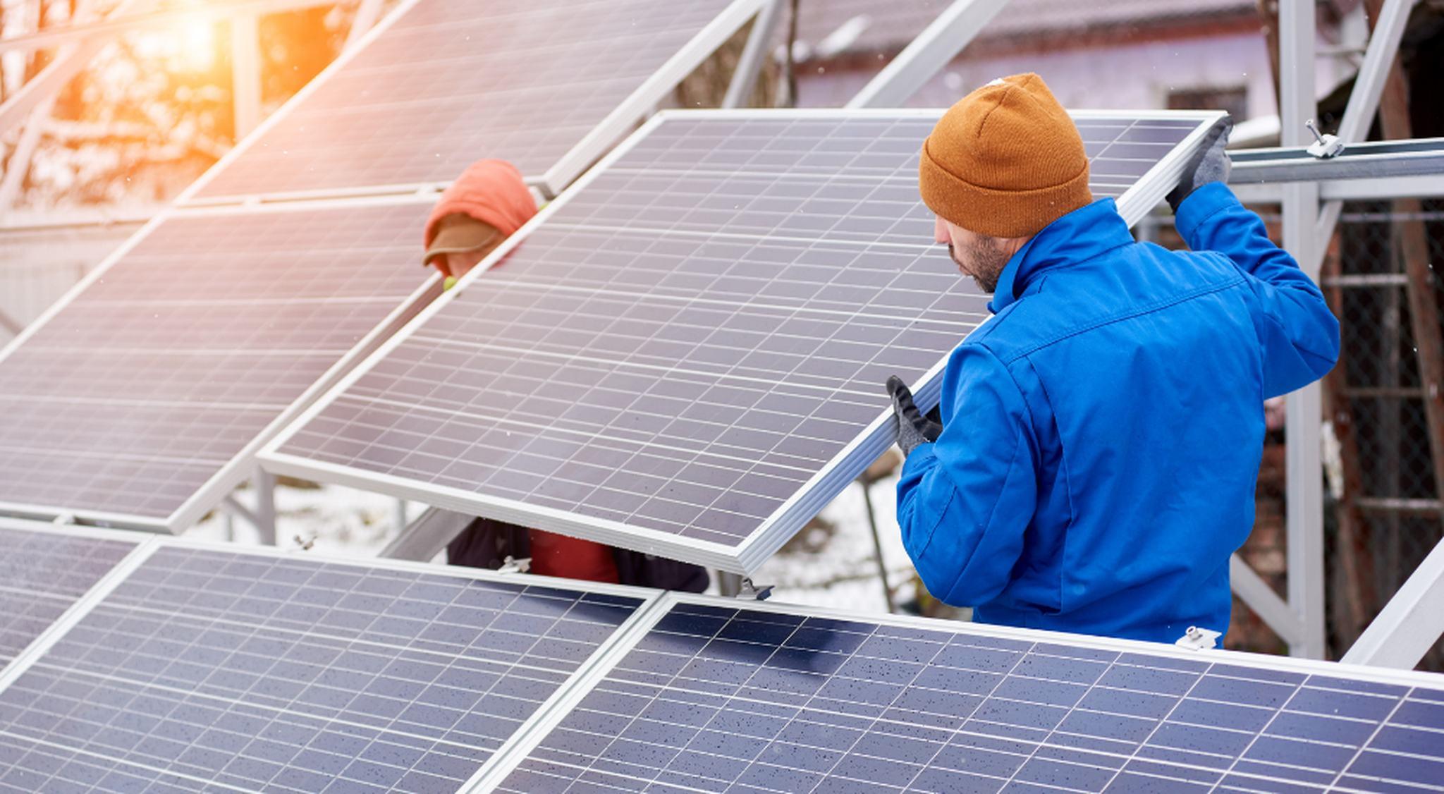 Monteure für Photovoltaik