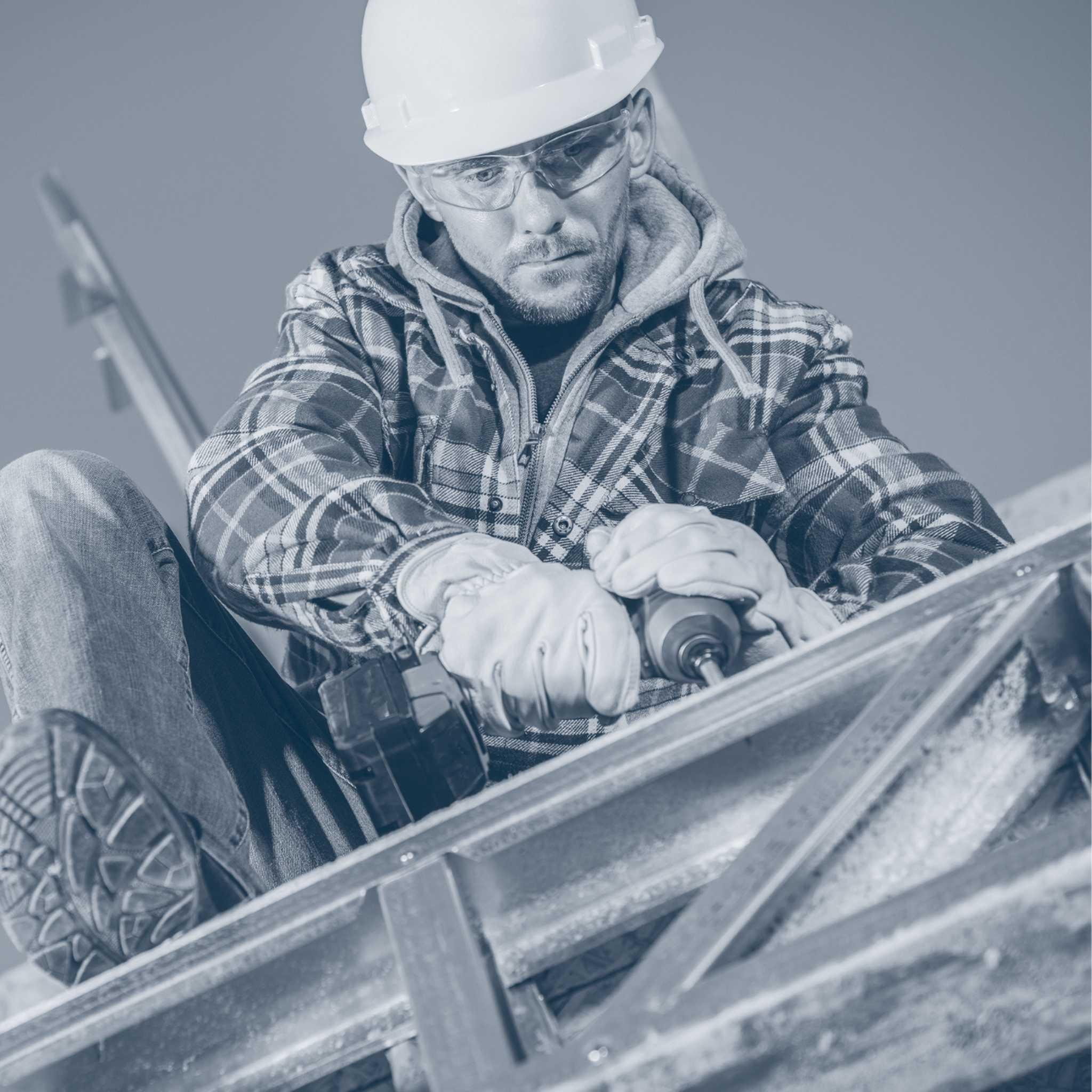 4er Montageteam von Stahl und Hallenkonstruktionen
